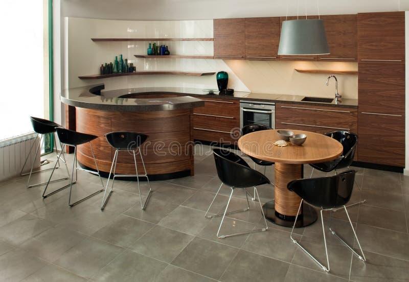 Projeto interior da cozinha. Elegante e luxuoso. imagem de stock