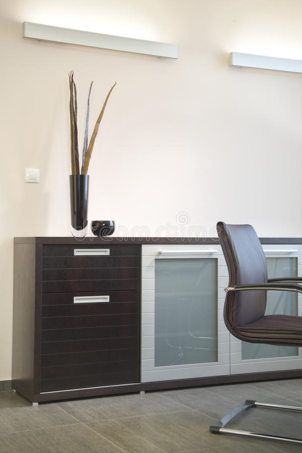Projeto interior do escritório bonito e moderno. imagem de stock