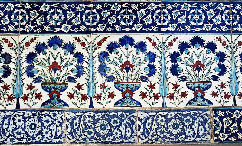 Projeto turco da telha no palácio de Topkapi, Istambul foto de stock royalty free