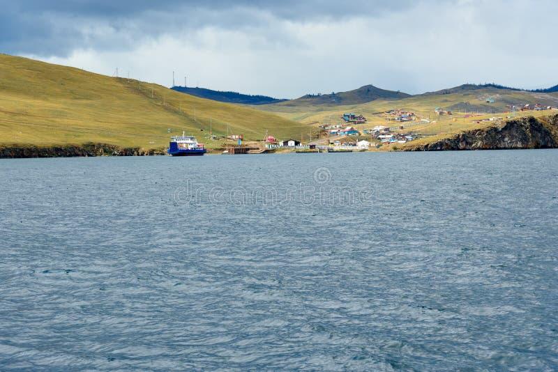 Download Prom Przy Molem Olkhon Wyspa Baikal Jeziora Rosja Obraz Editorial - Obraz złożonej z skrzyżowanie, vessel: 106908095