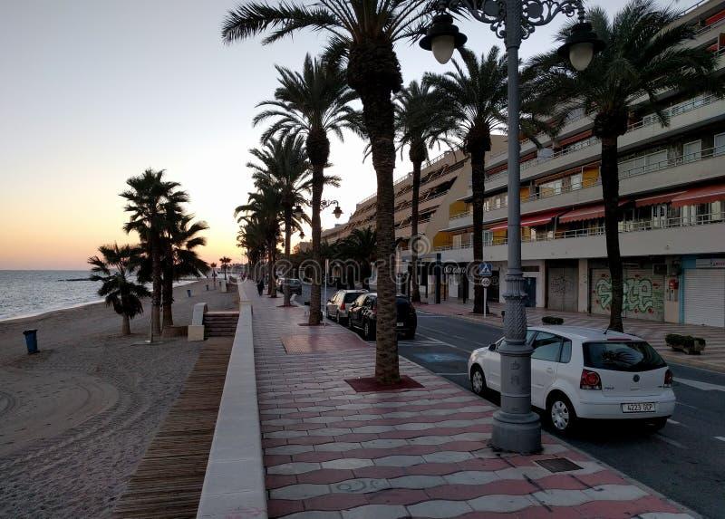 Promenad av Aguadulce på solnedgången spain arkivfoto