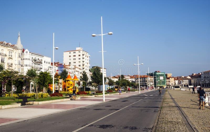 Promenad av en stad arkivbilder