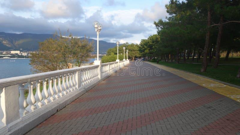 Promenad längs havet Gelendzhik royaltyfria bilder