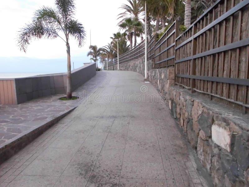 Promenade à la plage de San AgustÃn/mamie Canaria images stock