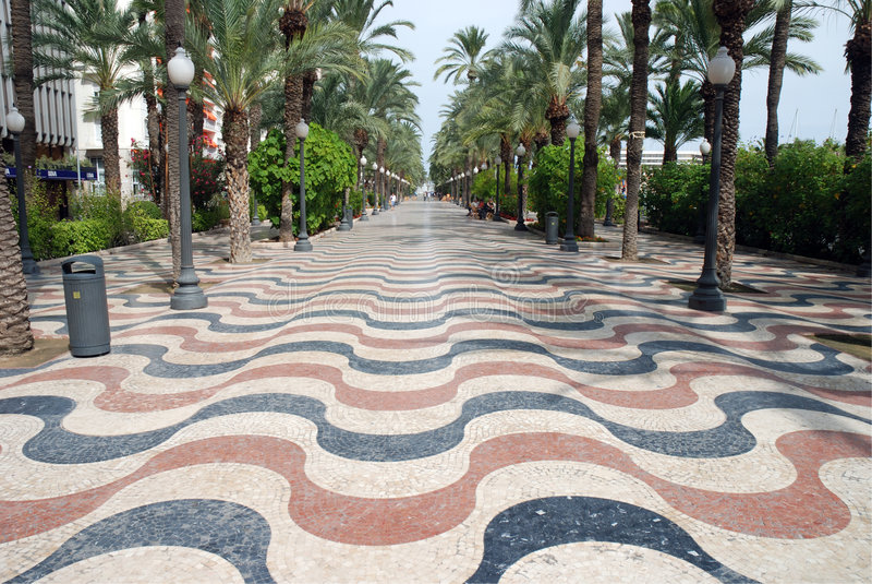 Promenade in Alicante, Spanje stock foto's