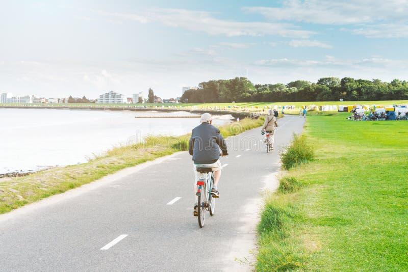 Promenade in Cuxhaven, Deutschland stockbild