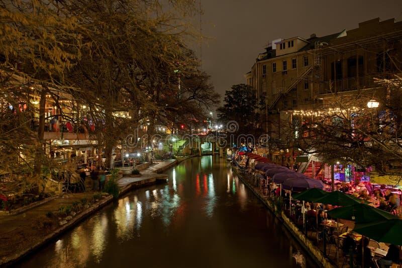 Promenade de fleuve de San Antonio la nuit photo stock