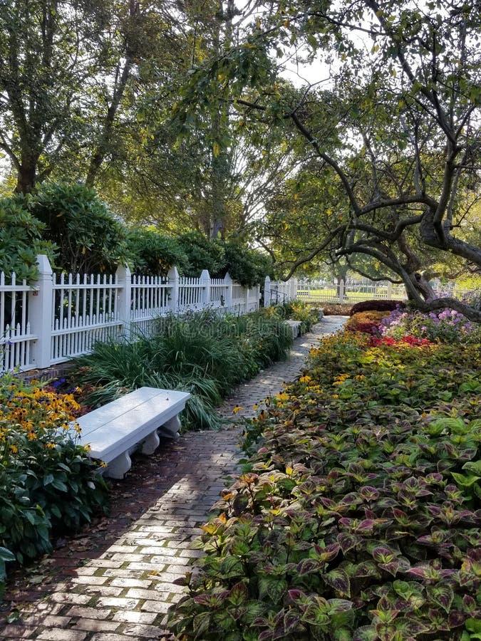 Promenade de jardin images libres de droits