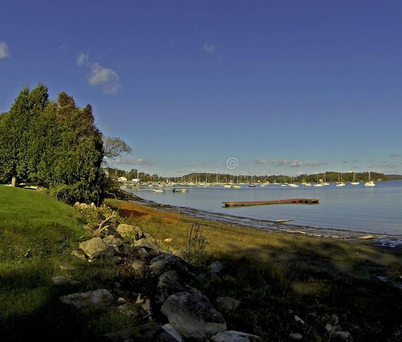 Download Promenade de lac photo stock. Image du nuageux, nuages - 45357502