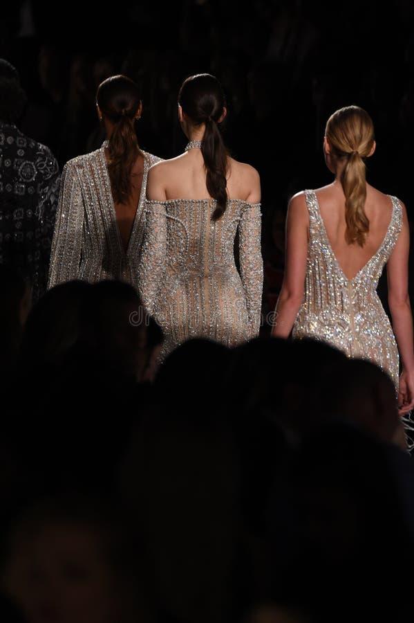 Promenade de modèles la finale de piste pour la collection de Jonathan Simkhai pendant, semaine de mode de New York image libre de droits