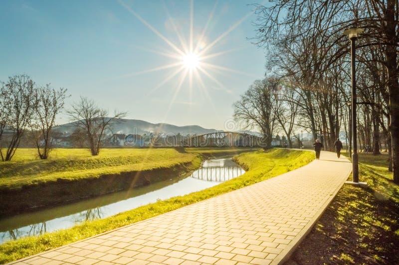 'promenade' del parque en Pozega, Croacia imágenes de archivo libres de regalías