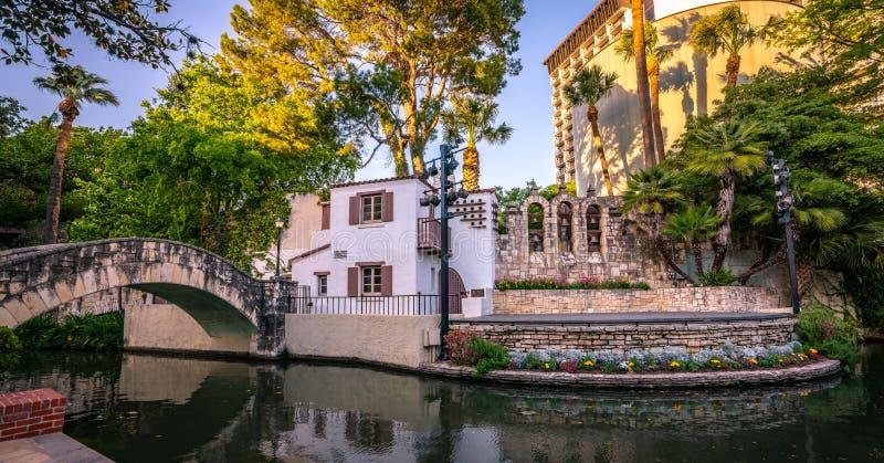 Promenade du centre historique de rivière de San Antonio images libres de droits