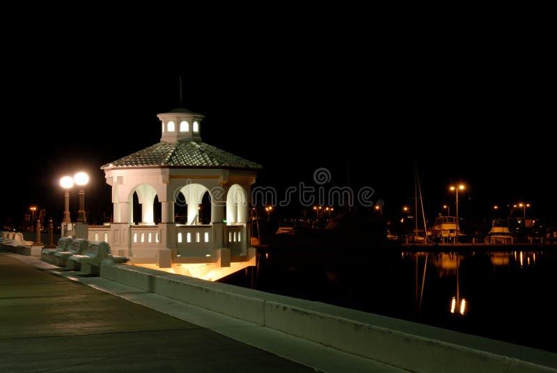'promenade' en Corpus Christi en la noche fotos de archivo