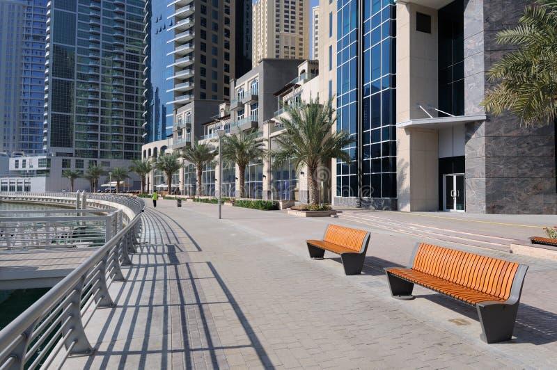 'promenade' en el puerto deportivo de Dubai imágenes de archivo libres de regalías