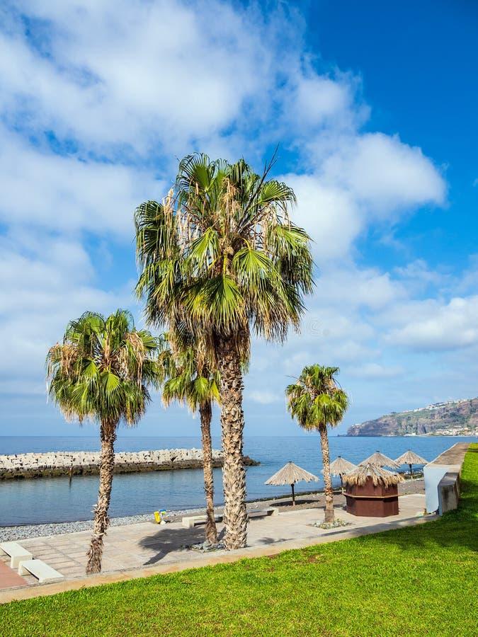'promenade' en Ribeira Brava en la isla Madeira, Portugal imagenes de archivo