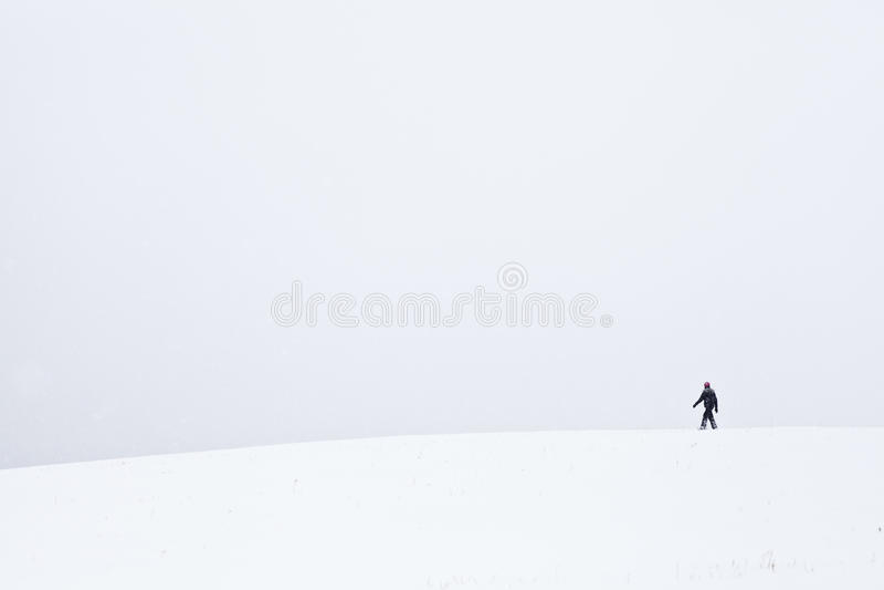 Promenade froide et isolée photo stock