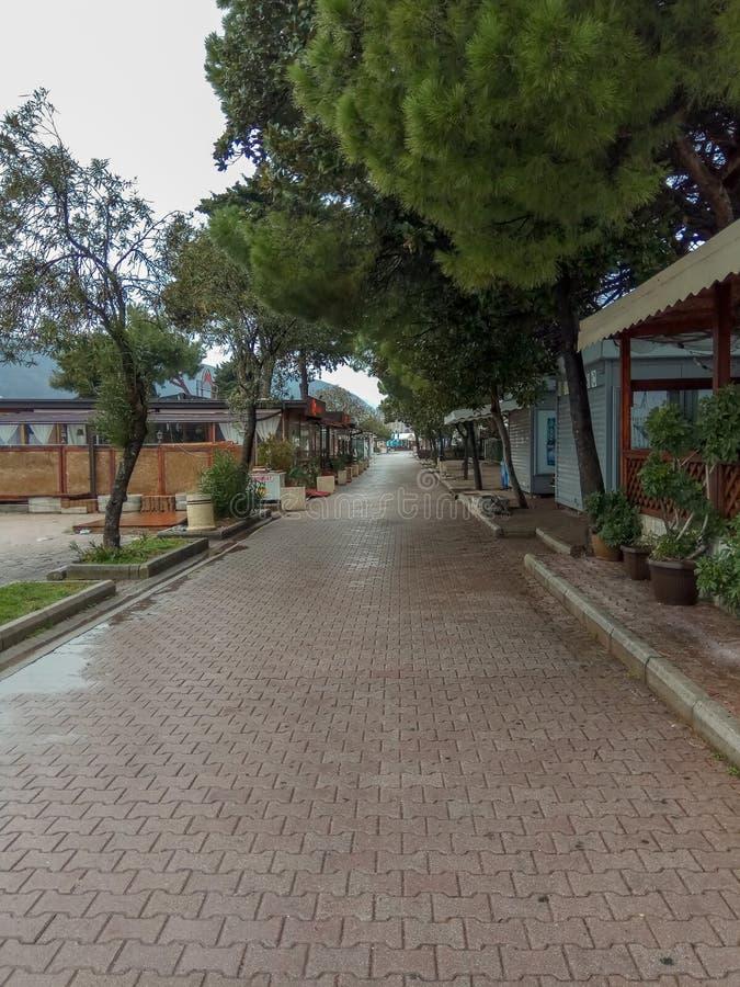 Promenade langs de strandboulevard, vakantie door het overzees stock foto's