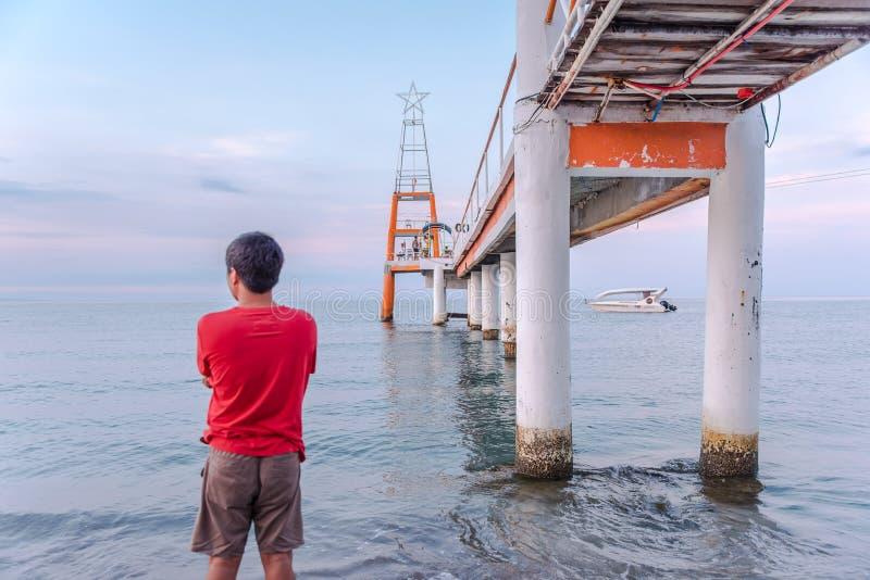 Promenade an Morong-Strand, Bataan, Philippinen stockfotos
