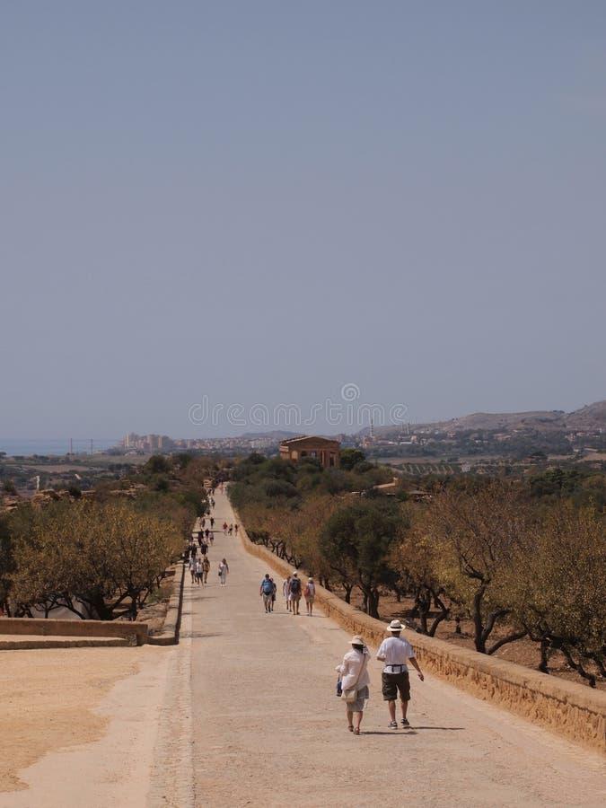 Promenade paisible dans la vallée des temples image stock