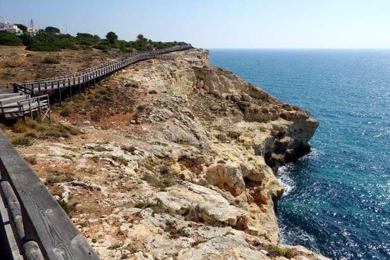 Promenade/Portugal de Carvoeiro photographie stock