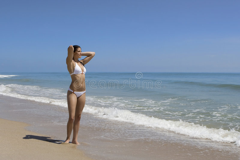 Promenade sur une plage photo libre de droits
