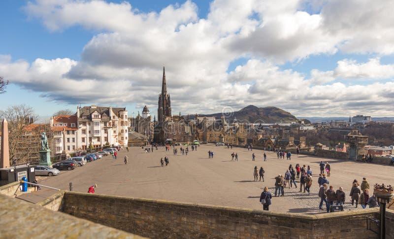 Promenade voor het kasteel van Edinburgh royalty-vrije stock afbeeldingen