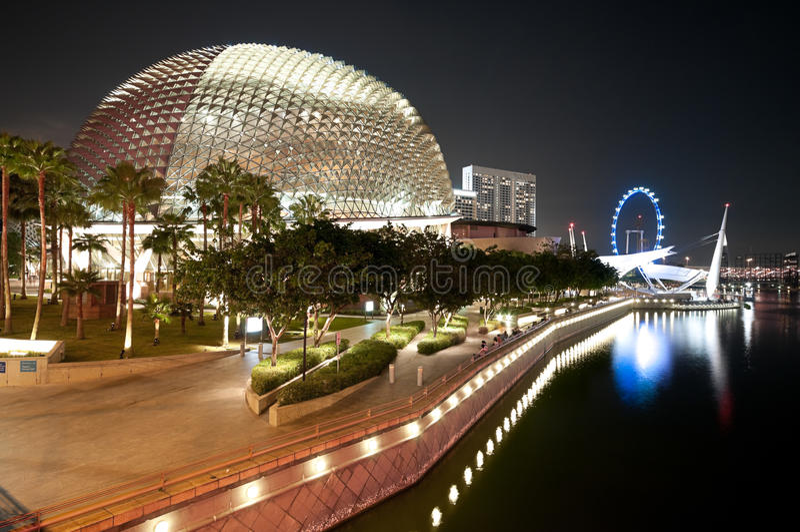 Promenadetheater Singapore bij Nacht stock fotografie