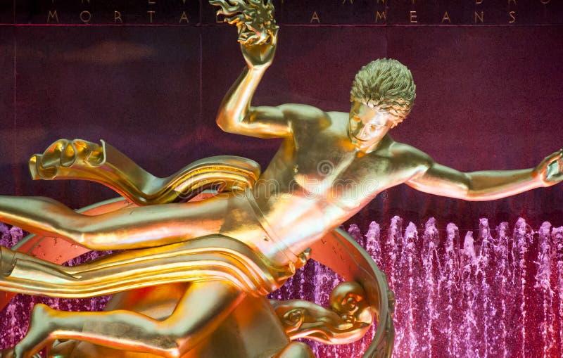 Prometheus雕象在洛克菲勒广场 免版税库存图片