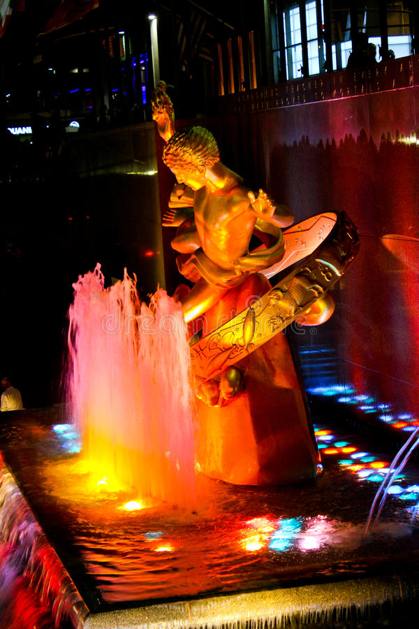 Download Prometheus Statue At Rockefeller Center, NYC Editorial Stock Photo - Image: 27598598