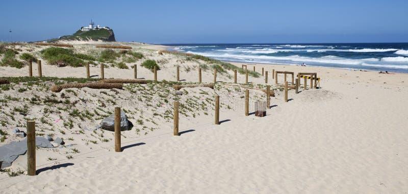 Promontório da praia imagens de stock royalty free
