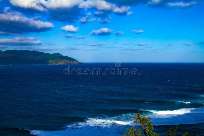 Promontório de Miyakozaki perto do oceano panorâmico no oshima Kagoshima de Amami foto de stock royalty free