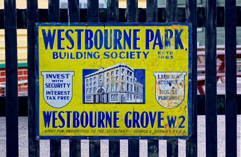 Propaganda do metal do vintage Sociedade de crédito imobiliário do parque de Westbourne imagens de stock royalty free