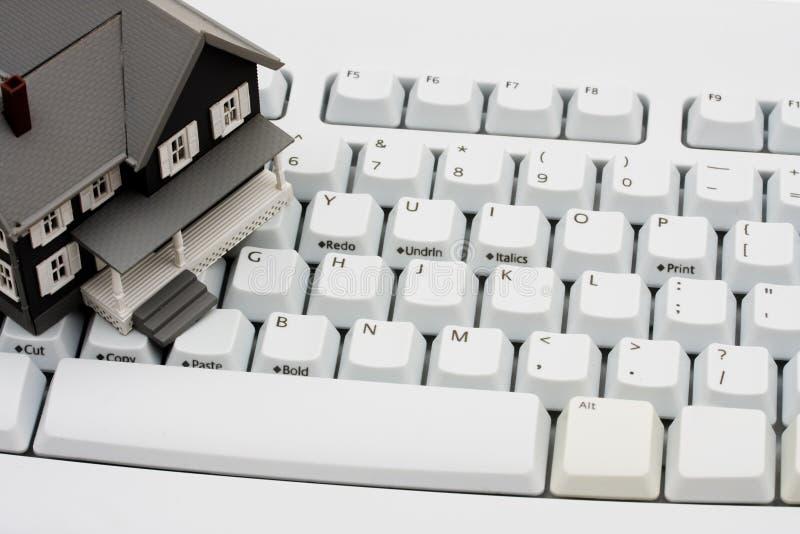 Propiedades inmobiliarias en línea imagen de archivo