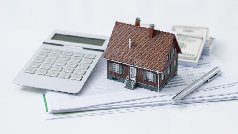 Propiedades inmobiliarias y préstamo hipotecario fotografía de archivo