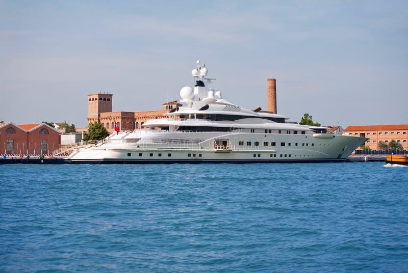 Proprietario di lusso AbramoviÄ dell'yacht   immagini stock