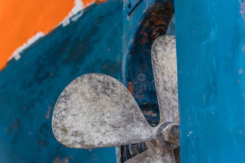 Propulseur de bateau de pêcheur de quatre lames image stock
