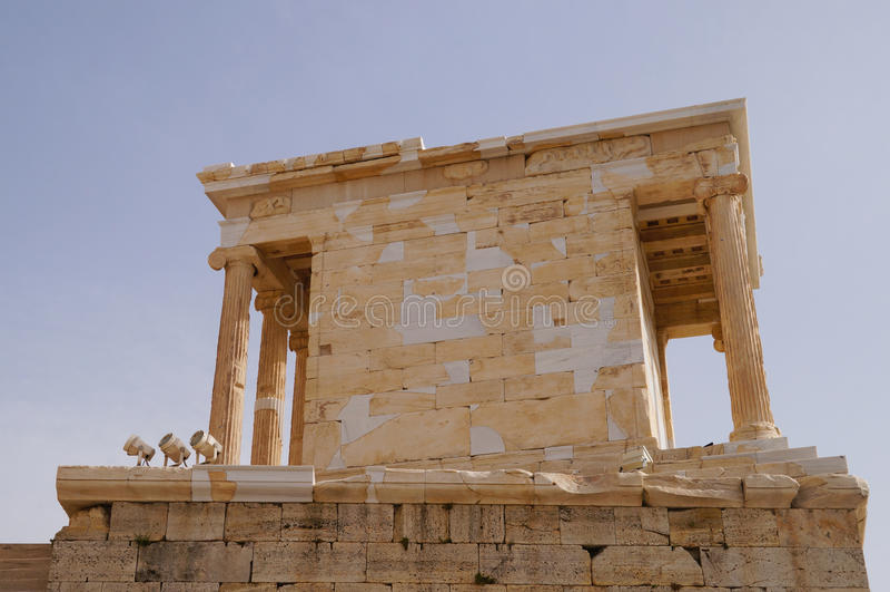 Propylaea, монументальный вход акрополя, Афин Греции стоковое изображение