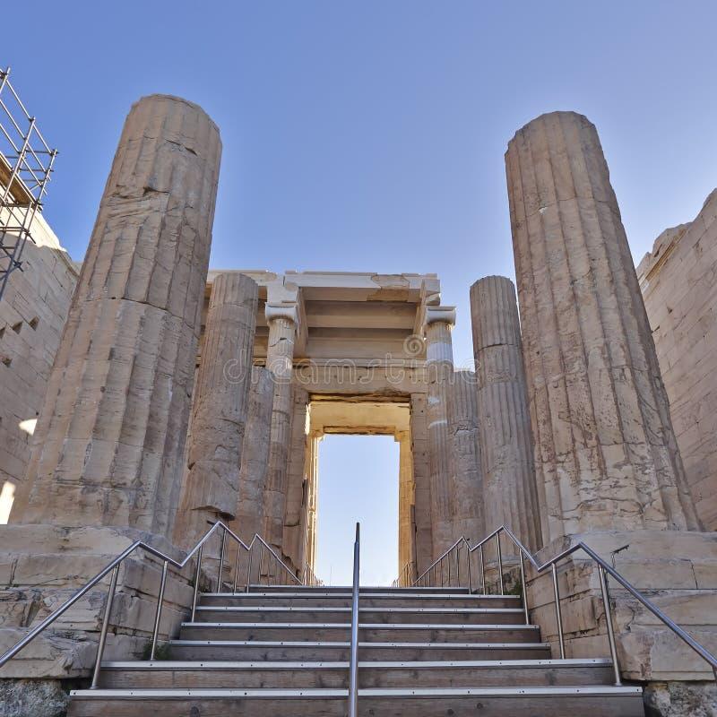 Propylaea, монументальный вход акрополя, Греции стоковые изображения