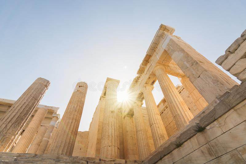 Propylaia废墟在帕台农神庙寺庙在上城,雅典,希腊的 免版税库存照片