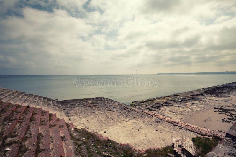 Prora ruiny na brzeg morze bałtyckie zdjęcie stock