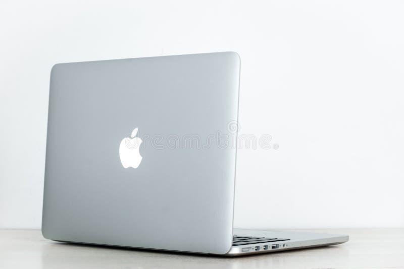 Proretina 13 Macbook lizenzfreies stockbild