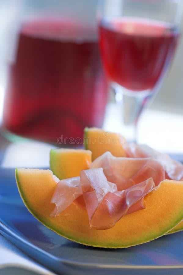 Prosciutto en cuñas del melón foto de archivo libre de regalías