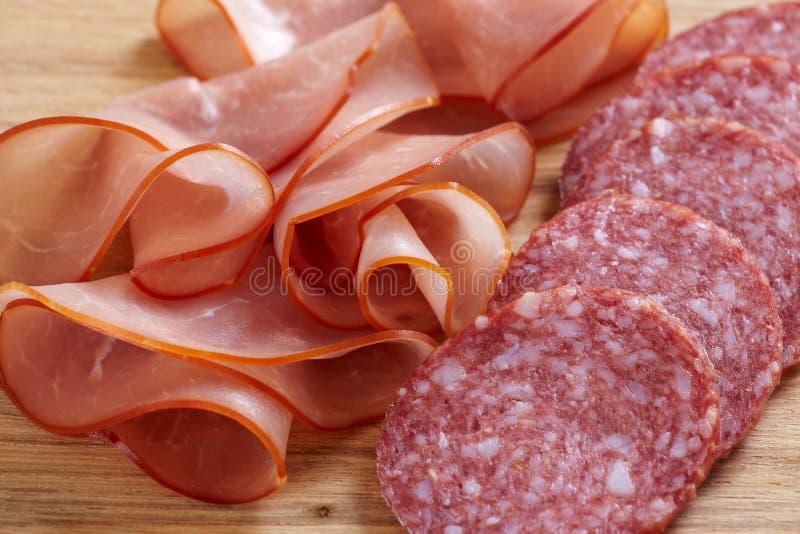 Prosciutto und Salami stockfoto