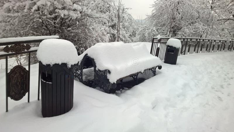 Prospettiva piacevole di vista la neve immagine stock