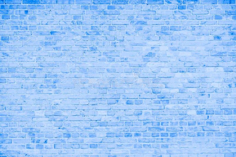 Prosta grungy błękitna i biała ściana z cegieł z światłem - szarych cieni wzoru powierzchni tekstury bezszwowy tło obraz stock