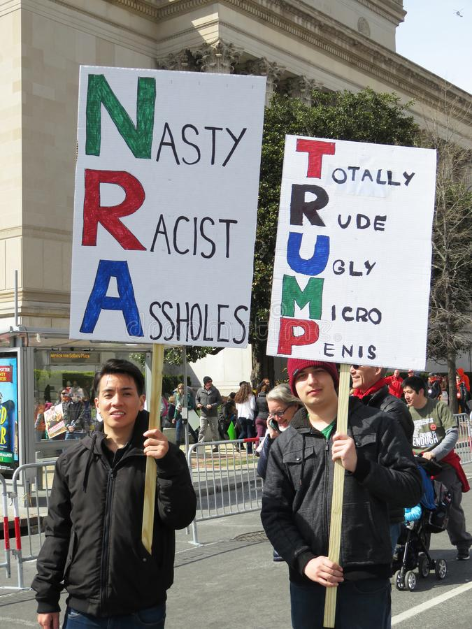 Prostest contre le NRA et le Donald Trump photographie stock