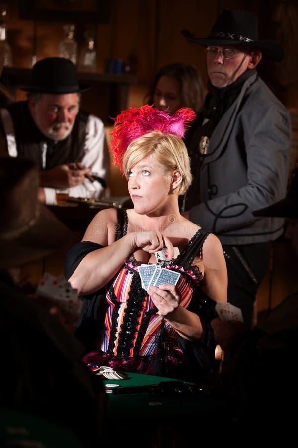 Prostitute disimulada el jugar de tarjeta imagenes de archivo