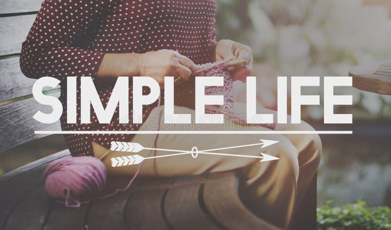 Prosty życie Cieszy się medytaci Pamiętającego Naturalnego pojęcie zdjęcie stock