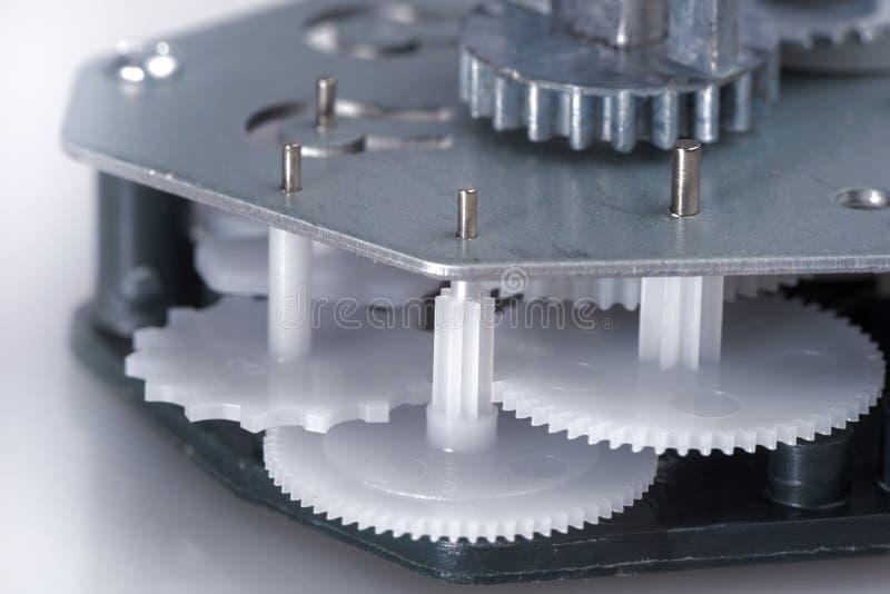 Prosty clockwork z plastikowymi przekładniami obraz stock
