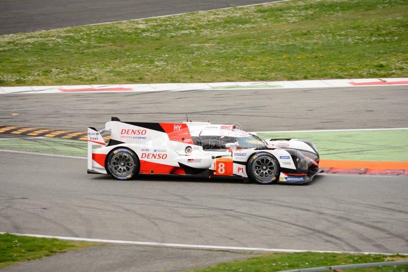 Protótipo híbrido de Toyota TS050 Le Mans em Monza foto de stock royalty free